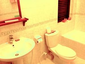 バーベリンリーフリゾートクラッシックルームのバスルーム