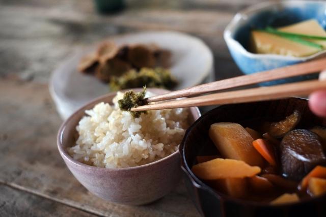 シンプルな食事を心がける